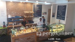 Foto 3 - Interior di Sophie Authentique French Bakery oleh Selfi Tan