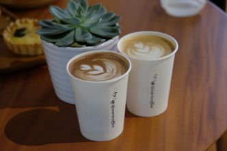 Foto Makanan di Cart Coffee