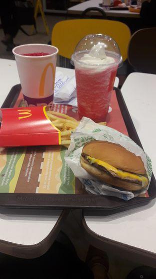 Foto - Makanan di McDonald's oleh Risyah Acha