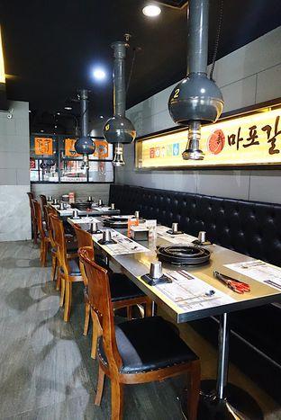 Foto 3 - Interior di Magal Korean BBQ oleh iminggie