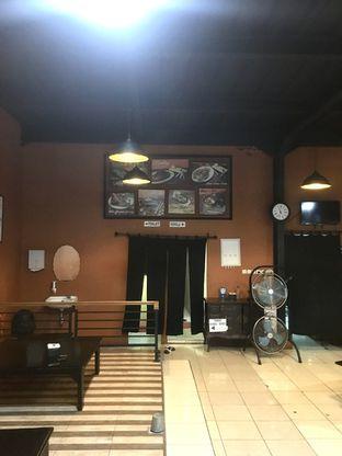 Foto 5 - Interior di Pesona Resto & Cafe oleh Prido ZH