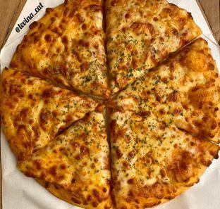 Foto review Domino's Pizza oleh Levina JV (IG : levina_eat ) 2