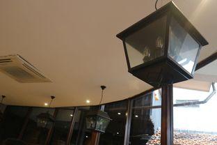 Foto 30 - Interior di Upnormal Coffee Roasters oleh Levina JV (IG : levina_eat )