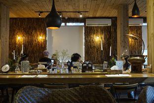 Foto 10 - Interior di Six Ounces Coffee oleh yudistira ishak abrar