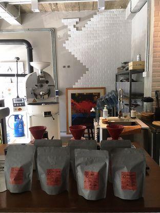 Foto 4 - Interior di Kapyc Coffee & Roastery oleh Prido ZH