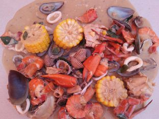 Foto 2 - Makanan(Saos Telur Asin) di Kepiting Keki oleh Rasmi.mii