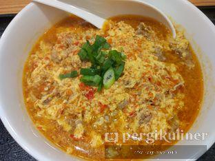 Foto 4 - Makanan(Spicy chicken eeg noodle with beef) di Ringer Hut oleh Rifky Syam Harahap   IG: @rifkyowi