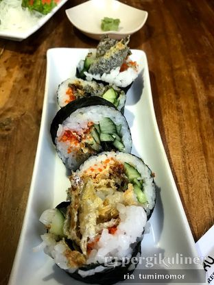 Foto 6 - Makanan di Umaku Sushi oleh riamrt
