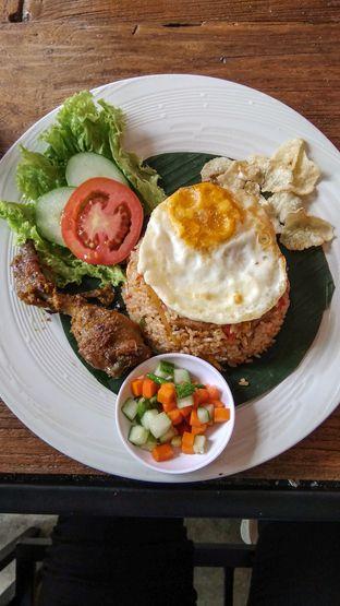 Foto 1 - Makanan(Nasi Goreng Kampung) di Artivator Cafe oleh thefoodsthetic
