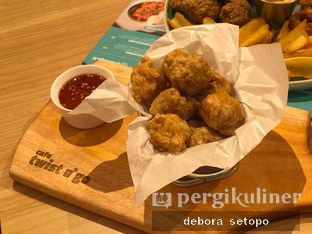 Foto 6 - Makanan(Bakso Goreng) di Twist n Go oleh Debora Setopo