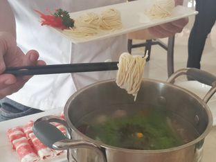 Foto 9 - Makanan(demo - homemade noodles) di Dolar Shop oleh @stelmaris