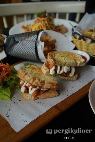 Foto 7 - Makanan di Ground Up Delicatessen oleh @teddyzelig