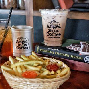 Foto 1 - Makanan(French fries) di Angel In Us Coffee oleh Stellachubby