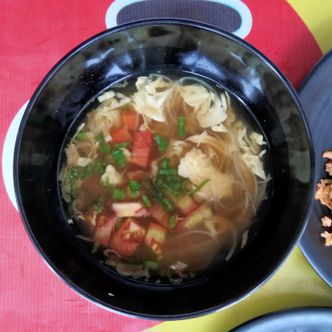 Foto Makanan di Depot MBOKNOM-e