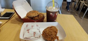 Foto 4 - Makanan di KFC oleh Pinasthi K. Widhi