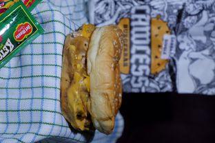 Foto 3 - Makanan di Lawless Burgerbar oleh yudistira ishak abrar