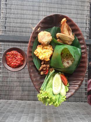 Foto review ROOFPARK Cafe & Restaurant oleh Threesiana Dheriyani 1