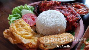 Foto 5 - Makanan(Nasi Ikan Pe ) di Pondok Suryo Begor oleh UrsAndNic