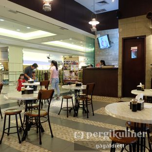Foto 8 - Interior di Ya Hua Bak Kut Teh oleh GAGALDIETT