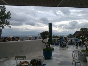 Foto 3 - Eksterior di Orofi Cafe oleh yulina pribadi