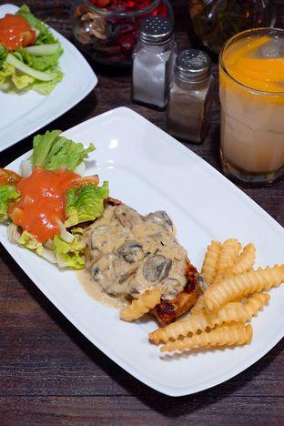 Foto 2 - Makanan di PLUIE Cafe & Resto oleh yudistira ishak abrar