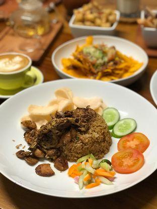 Foto review Komune Cafe oleh @stelmaris  3