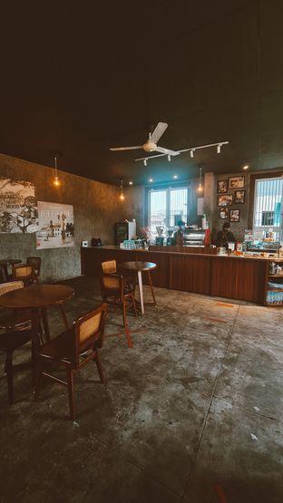Foto 6 - Interior di Roast Coffee oleh Margaretha Helena #Marufnbstory