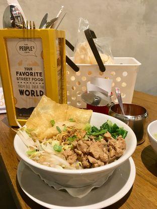 Foto 9 - Makanan di The People's Cafe oleh Prido ZH