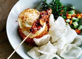 8 Tempat Makan Baru di Bandung Yang Bikin Kamu Nggak Mau Pulang