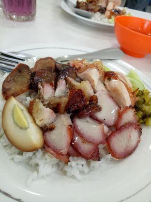 Foto 1 - Makanan di Nasi Akwang oleh @duorakuss