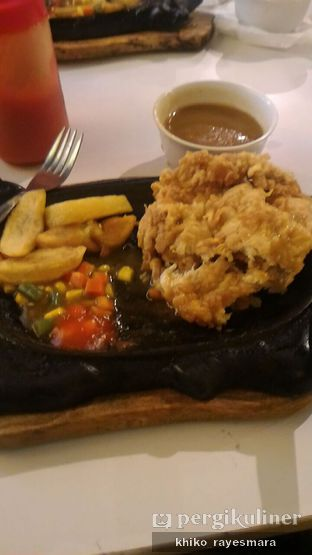 Foto 2 - Makanan(Chicken Double) di Waroeng Steak & Shake oleh Khiko Rayesmara