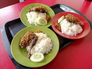 Foto 2 - Makanan di Nasi Bebek Sinjay oleh Aditia Suherdi