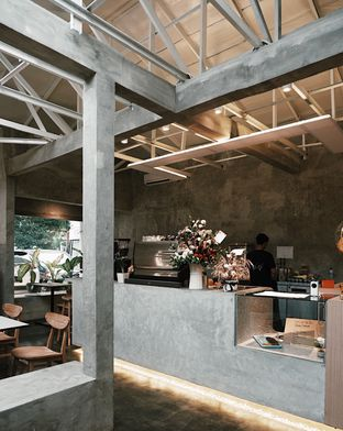 Foto 5 - Interior di Kinari Coffee Shop oleh Della Ayu