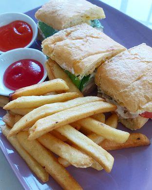 Foto 7 - Makanan di Aps3 Social Hub - Kampi Hotel oleh denise elysia