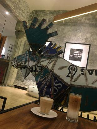 Foto 17 - Interior di Artivator Cafe oleh Prido ZH