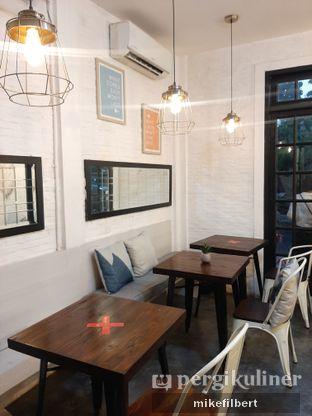 Foto 5 - Interior di Jonbon's Coffee & Eatery oleh MiloFooDiary | @milofoodiary