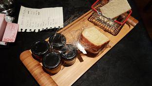 Foto 8 - Makanan di Namaaz Dining oleh aguswinsort
