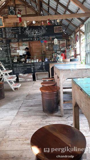 Foto 3 - Interior di Waroeng Kopi Modjok (Warkop Modjok) oleh chandra dwiprastio