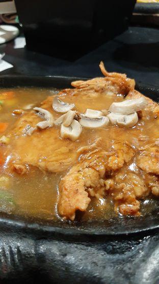 Foto 3 - Makanan di Waroeng Steak & Shake oleh catgoesmiawyaw