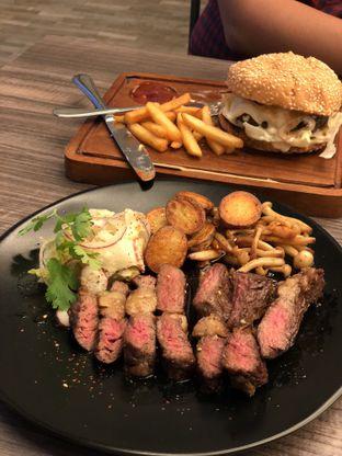 Foto 2 - Makanan di Fe Cafe oleh Duolaparr