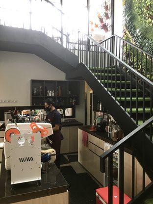 Foto 8 - Interior di Likely Cafe & Resto oleh Prido ZH