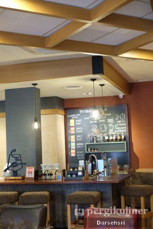 Foto 10 - Interior di Caribou Coffee oleh Darsehsri Handayani
