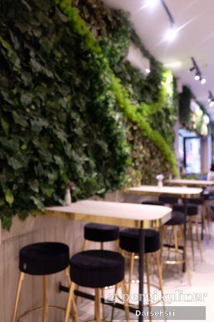 Foto 4 - Interior di Kavove Cafe oleh Darsehsri Handayani