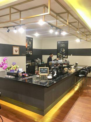Foto 4 - Interior di The Gade Coffee & Gold oleh Prido ZH