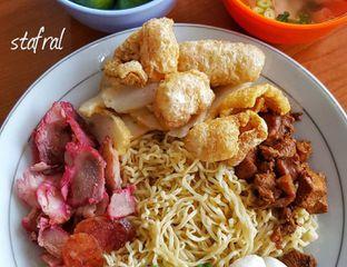 Foto - Makanan di Bakmi Ponti Kalimantan oleh Stanzazone
