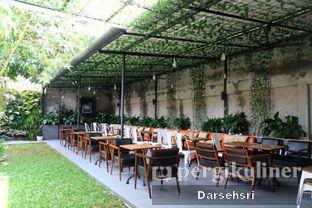 Foto 8 - Eksterior di Dimitree Coffee & Eatery oleh Darsehsri Handayani