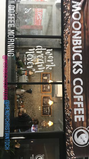 Foto 22 - Interior di Moonbucks Coffee oleh Mariane  Felicia