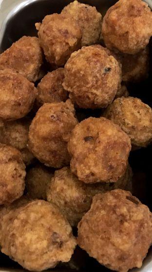 Foto 4 - Makanan(Bakso Goreng) di Bakso Bakwan Malang Cak Su Kumis oleh Riris Hilda