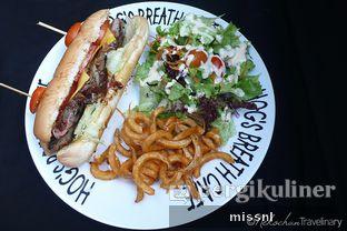 Foto 3 - Makanan(Prime Rib Steak Sandwich) di Hog's Breath Cafe oleh Andriani Wiria