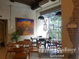 Foto 2 - Interior di Kapyc Coffee & Roastery oleh Ladyonaf @placetogoandeat